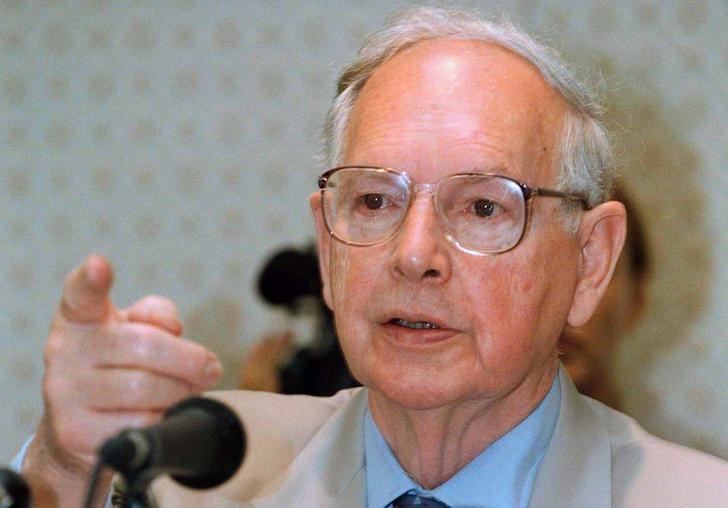 FILE PHOTO - Ninian Stephen, a judge and former governor-general of Australia, gestures during a news conferece in Phnom Penh