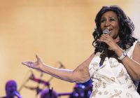 """A """"giant among giants"""": Sam Moore remembers his friend, Aretha Franklin"""