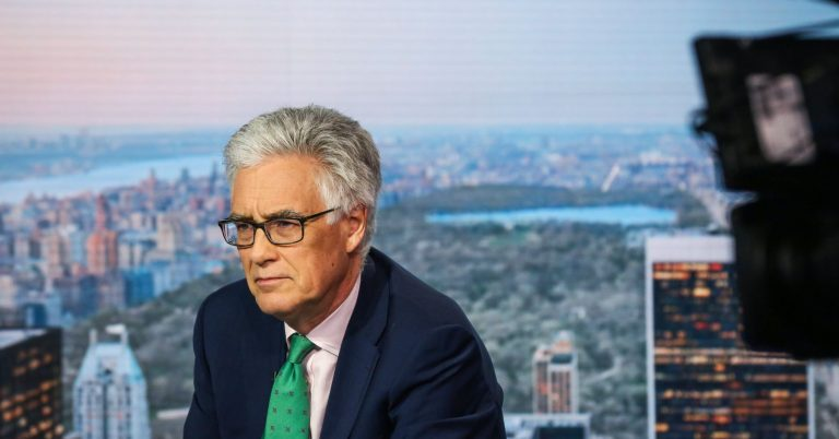 US and China could soon prompt a 'big slowdown' in global growth, former bank regulator warns