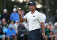 Eagle lands for Scott as Australian ties for halfway Masters lead