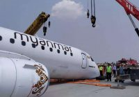Flight miraculously lands safely with no front landing gear