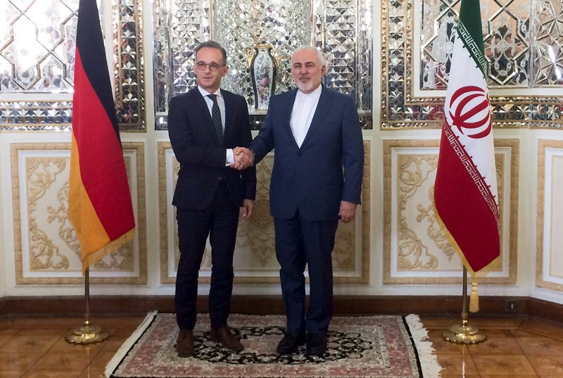 Iranian Foreign Minister, Mohammad Javad Zarif shakes hands with his German counterpart Heiko Maas after their meeting in Teheran