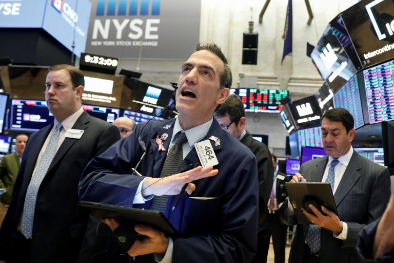 Dow jumps 400 points as market attempts to rebound from this week's rout