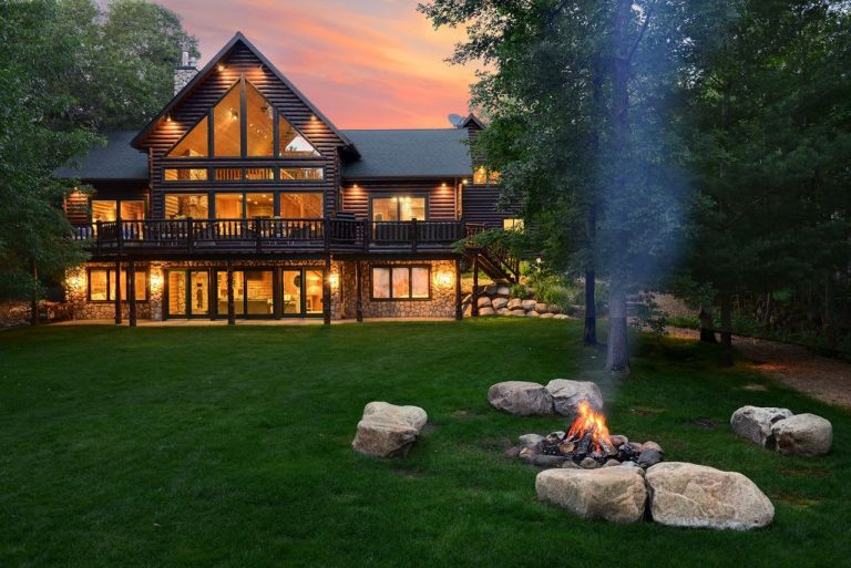 Forget summer: These luxury cabins are right for autumn getaways