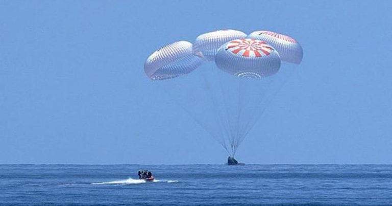 SpaceX capsule brings 2 NASA astronauts back to Earth