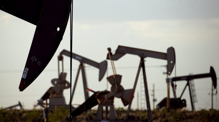 Oil prices mixed Friday as concerns arise over Chinese Covid lockdowns