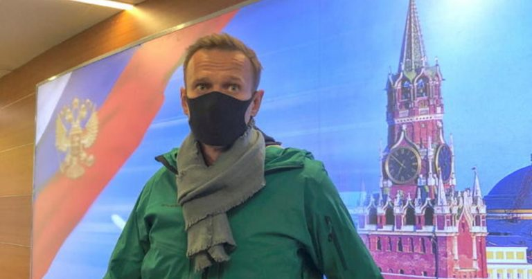 Russian opposition leader Alexey Navalny returns to Moscow and is immediately detained