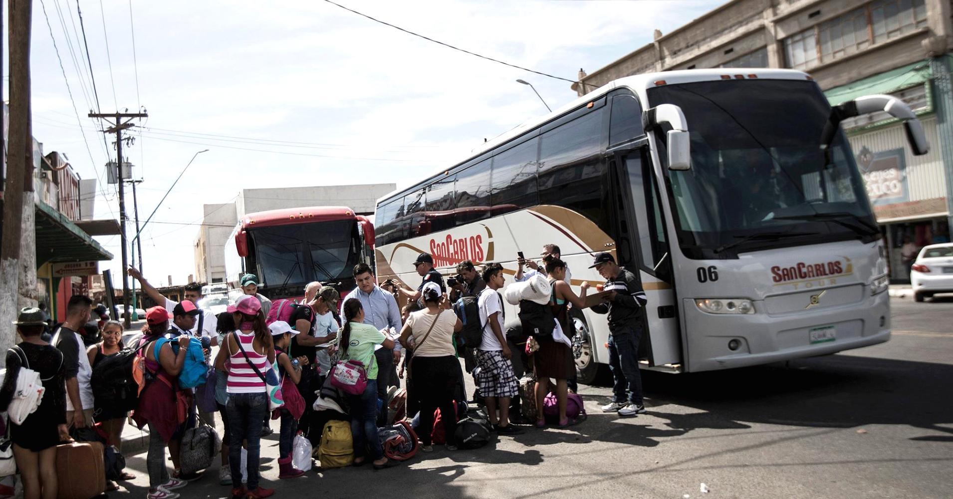 Caravan Of Asylum Seeking Migrants Reach Mexico Us Border