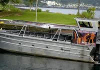 """""""Lava bomb"""" flies through roof of Hawaii tour boat, injuring 23"""