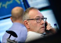 Dow futures point to solid gains as investors keep an eye on the bond market