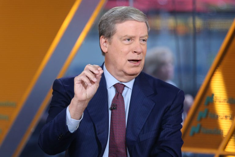 Stanley Druckenmiller is still bullish the market because of the Fed and Trump