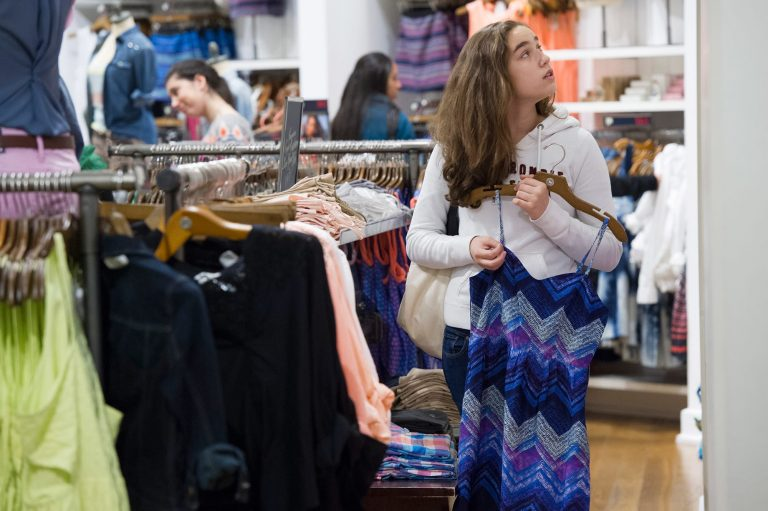 Teen spending takes a dive: Guys splurge on footwear, while a natural look for girls hurts makeup sales