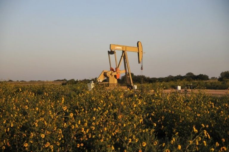 US shale producer Devon in talks to acquire peer WPX – sources