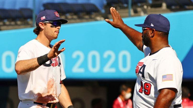 Olympics-Baseball-U.S. win relegates Dominican Republic to bronze-medal game