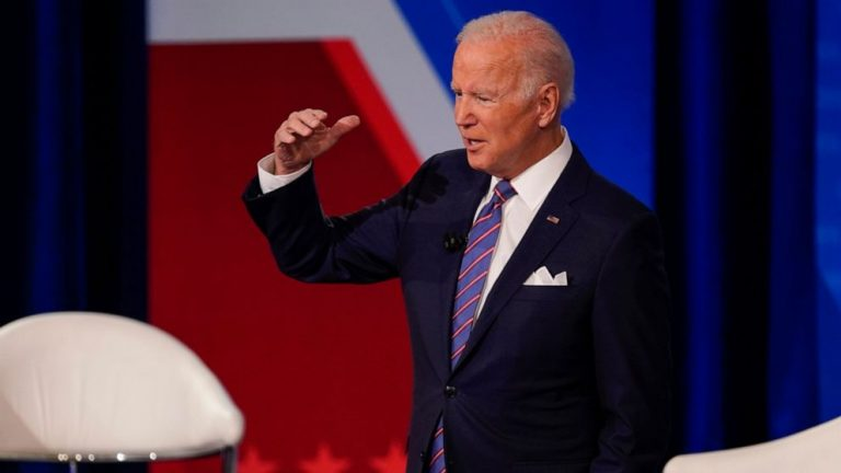 Biden, Manchin and Schumer huddle, but still no budget deal