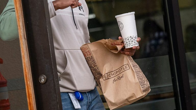 Chipotle posts record sales after hiking prices